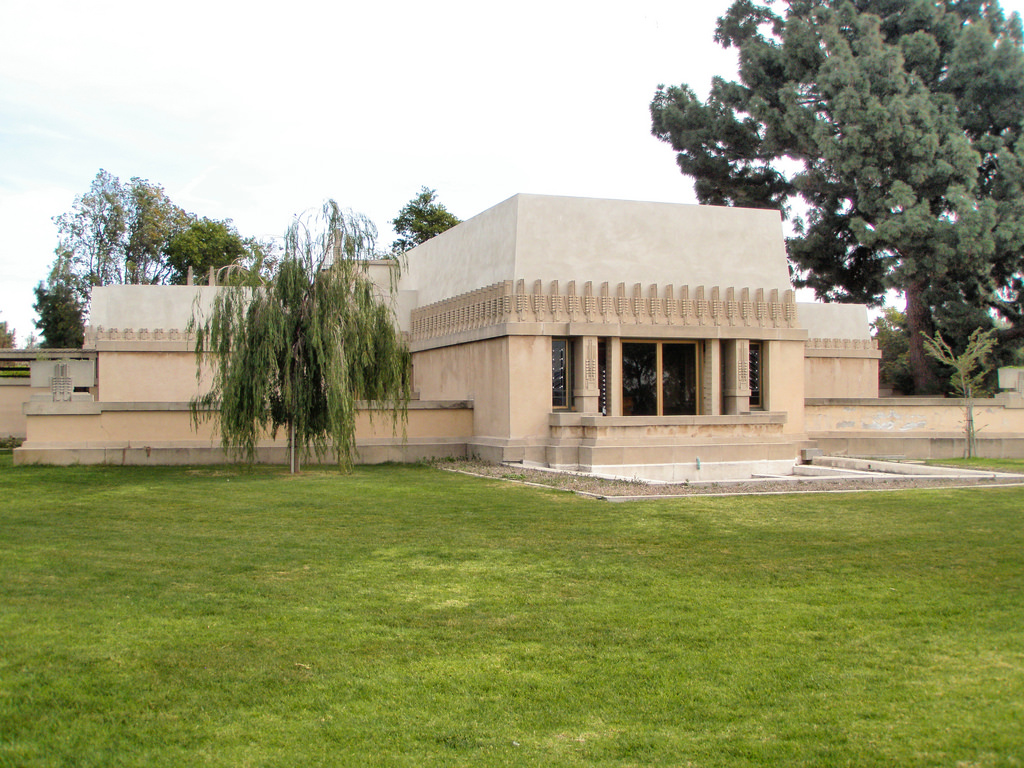 frank lloyd wright hollyhock house los angeles california